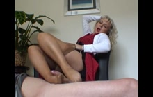 MILF in tights footjob