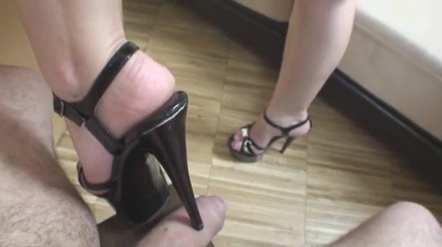 Footjob in heels