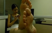 I want you to lick my feet