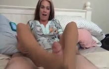 Kinky woman giving a great footjob