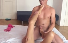 Gina Monelli loves playing with feet