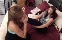 Mama teach me how to worship feet part one