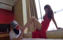 Hot Japanese teen has adorable feet