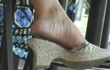 Magnificent feet in fast food
