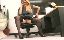 Blonde with bouncy boobies pleasures herself